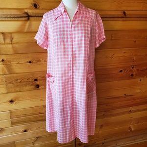 1960s Unlabeled Pink Plaid Poly/Cotton Housedress